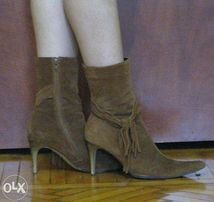 Замшевые натуральные! ботинки 38 весна-осень