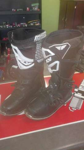 Second Hand Maverik Fly Racing Boots- Size 12