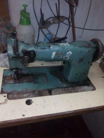 СРОЧНО!!!Продам швейную машинку 330 класс