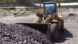 уголь-акция ( доставка )низкая цена в межсезонье брикет дрова