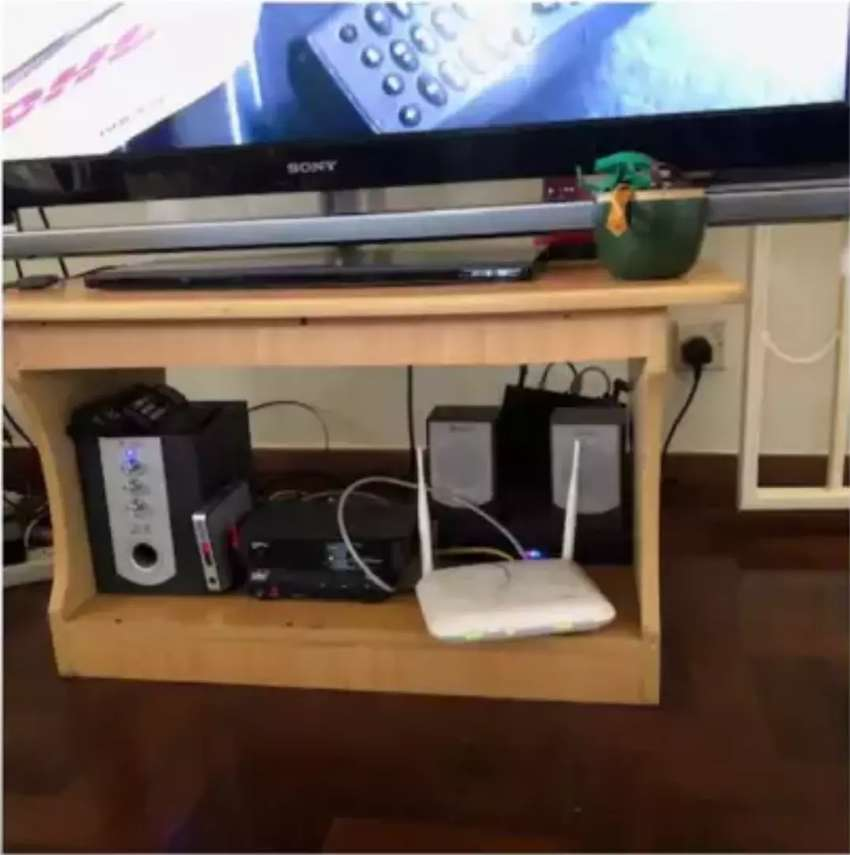 Tv Stand with very hard & smooth wood 0