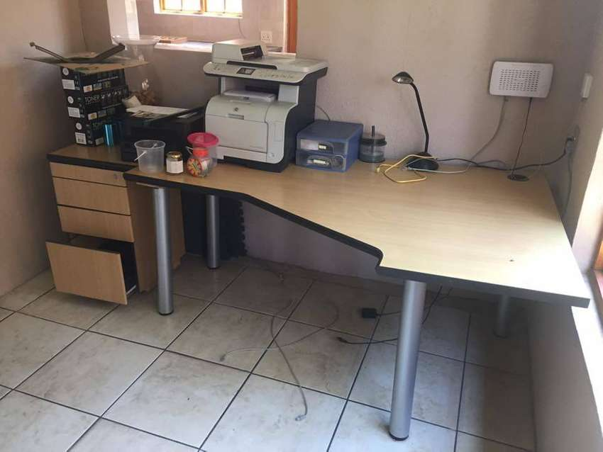 Study / Office desk with draws 0