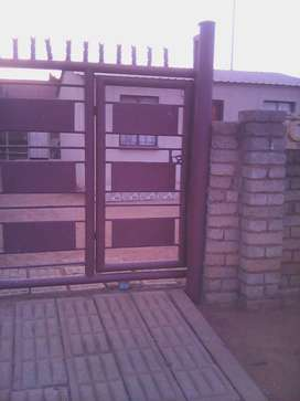 A plot,house and a stand up for sale in Pretoria