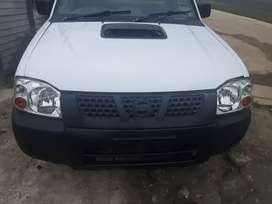 Nissan np 300  good condition start and go