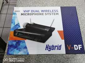 Hybrid wireless microphones