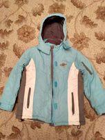 Продам детскую зимнюю куртку,лыжную куртку