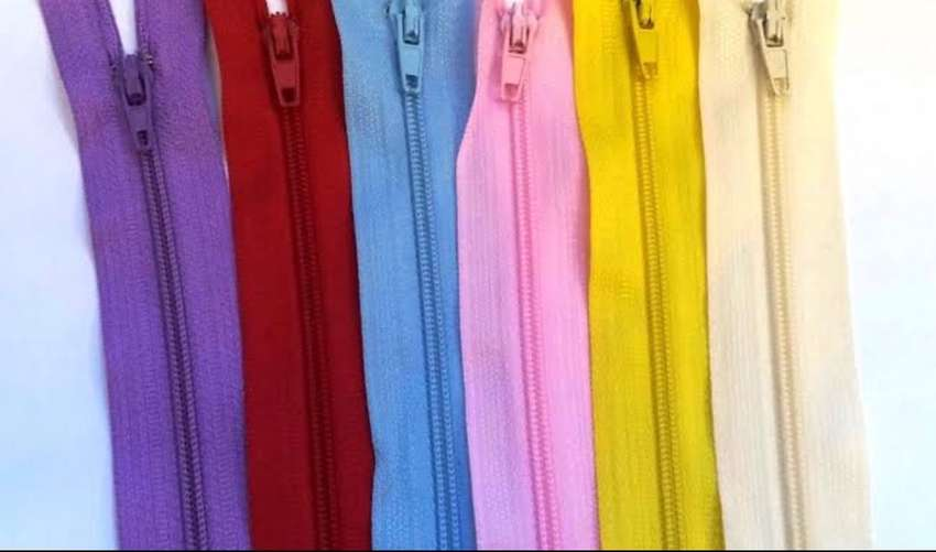 zips in all colours 0