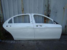 Mercedes S-Class W222 Двери правые (Поврежденные)