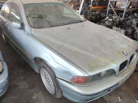 BMW 528I 2001 USED SPARE PARTS FOR SALE.