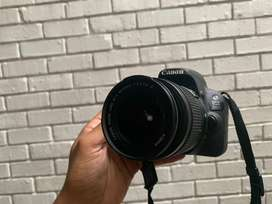 CANON 200D (Immaculate condition)