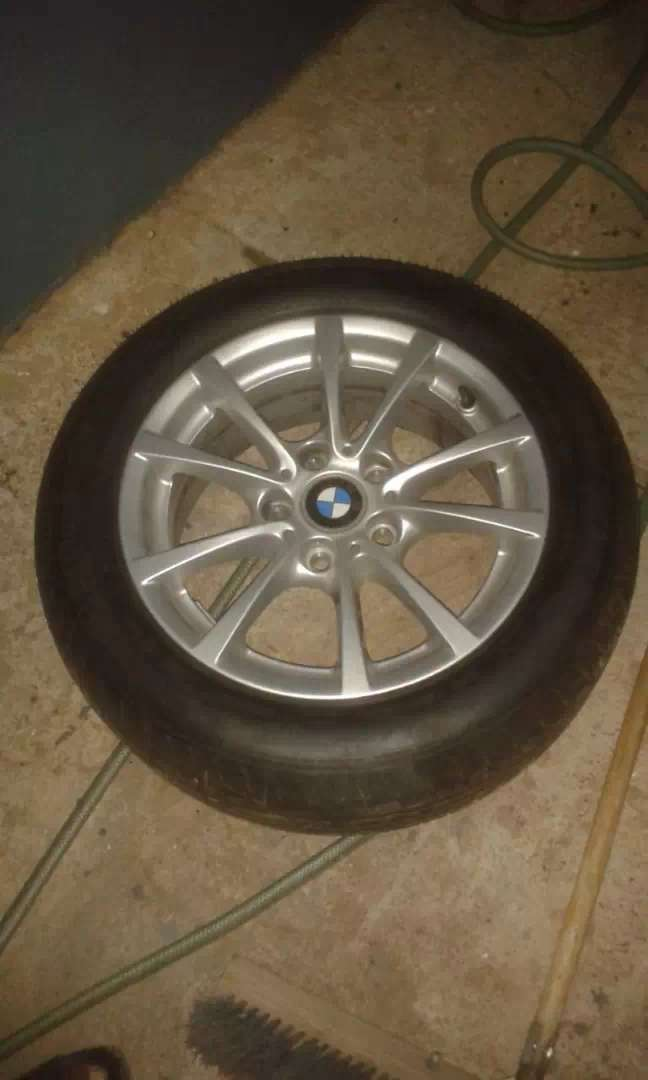 Wheels of a BMW 0