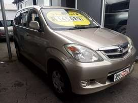 7  Seater    Toyota  Avanza  SX      5 speed