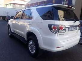 Toyota  Fortuner 3.0 R 270 000