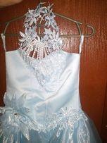 красивое нарядное платье на утренник или выпускной .