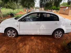 I'm selling vw polo classic with 25k but neg
