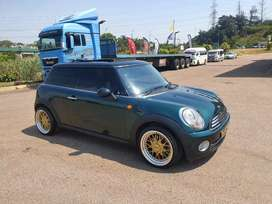 2009 MINI COOPER 1.6 AUTOMATIC - EXCELLENT CONDITION