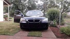 Its a 525i Bmw, fresh with a cream interior and a sunroof
