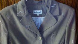 Качественный женский костюм. Пиджак и юбка. В отличном сост-и!Цена 120