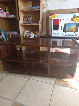 Solid Tv stand r499
