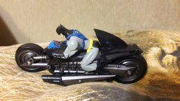 Бэтмен на мотоцикле фигурка игровая коллекционная
