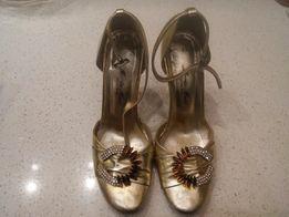 Продам туфли на выпускной