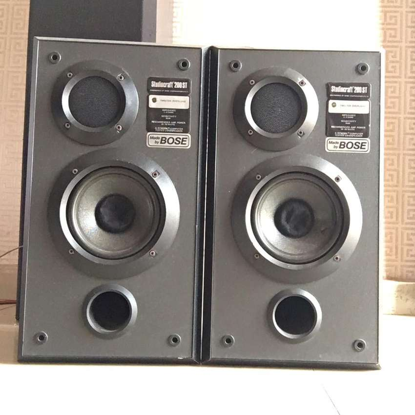 Bose studio monitor speakers 0