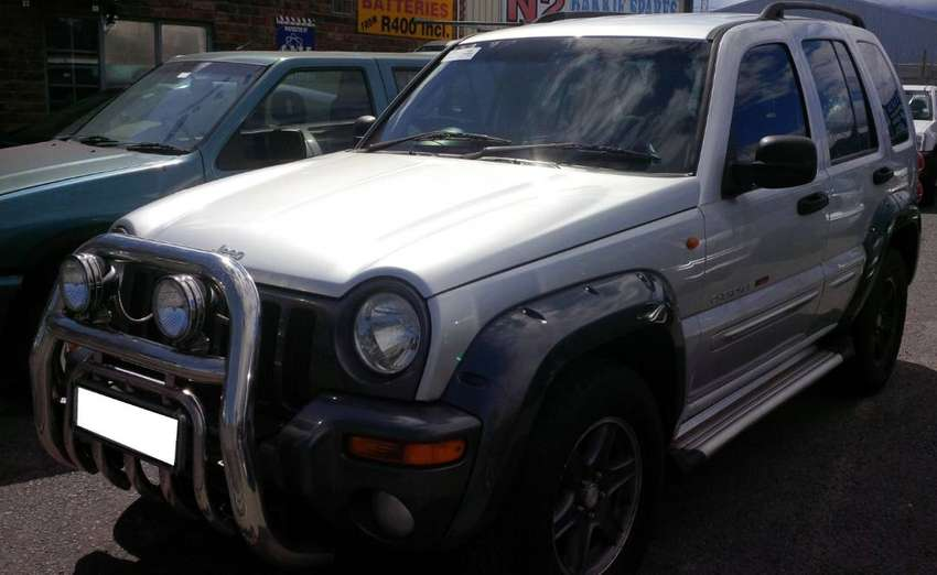 Jeep Cherokee 3.7 Red River 2003 spares for sale. 0