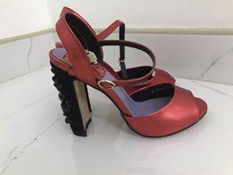 Красные босоножки на толстом каблуке. Размер 37