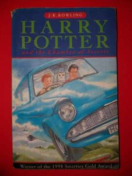 Harry Potter And The Chamber Of Secrets - JK Rowling - Paperback.