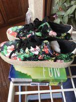 Продам летние кроссовки,41 размера