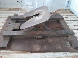 5th Wheel and base plate 40cm for sale