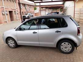 Silver VW Polo Vivo. 2010. 193 000k.