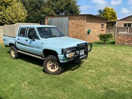 Toyota Hilux 2.4 double can 4x4