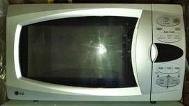 LG 32-litre Microwave-Oven