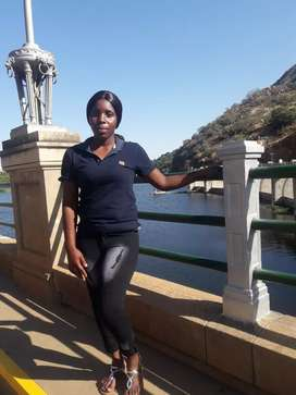 I'm looking for a job (Mozambique) lady