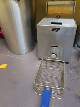 Chips fryer by gas