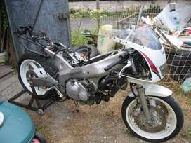 Yamaha FZR400 3TJ stripping for spares
