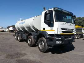 2013 Iveco Trekker 420 8x4 twin steer with 18000L water tank