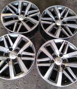 """18"""" Toyota Hilux/Ffortuner mags set for R8800"""