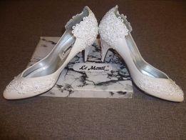 Мешти жіночі, весільні. (Айворі). Туфли женские- Le Monti- USA. (новые