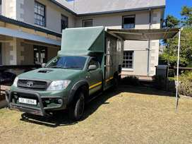 Toyota Hilux d-4d 4x4 custom single cab motorhome