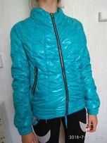 Бирюзовая курточка на 13-14 лет.