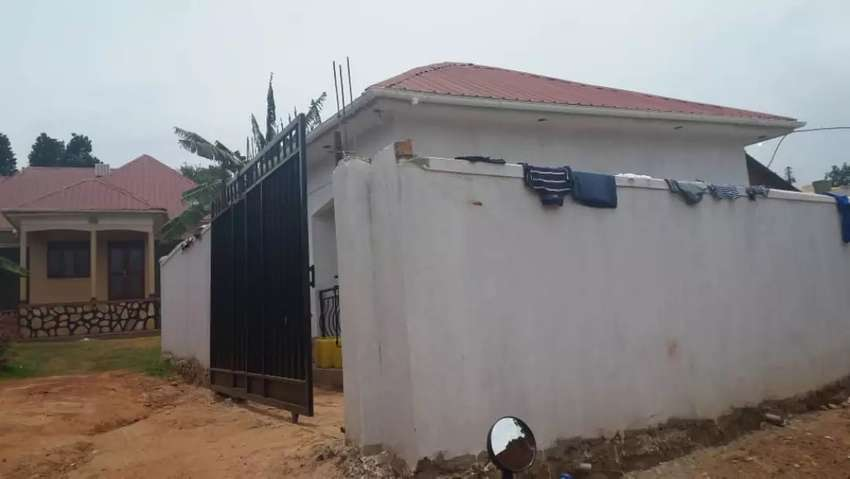 2 bedrooms house for sale in Entebbe new express 30by50 ft just at 43m 0