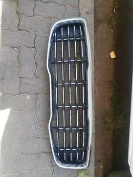 KIA SEDONA GRILLE AVAILABLE FOR SALE CLEAN ONE