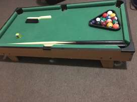 Mini snooker table toy