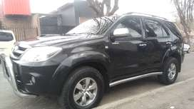 TOYOTA FORTUNER 3.0 D4D 4X4 WITH LEATHER INTERIOR DESIGN