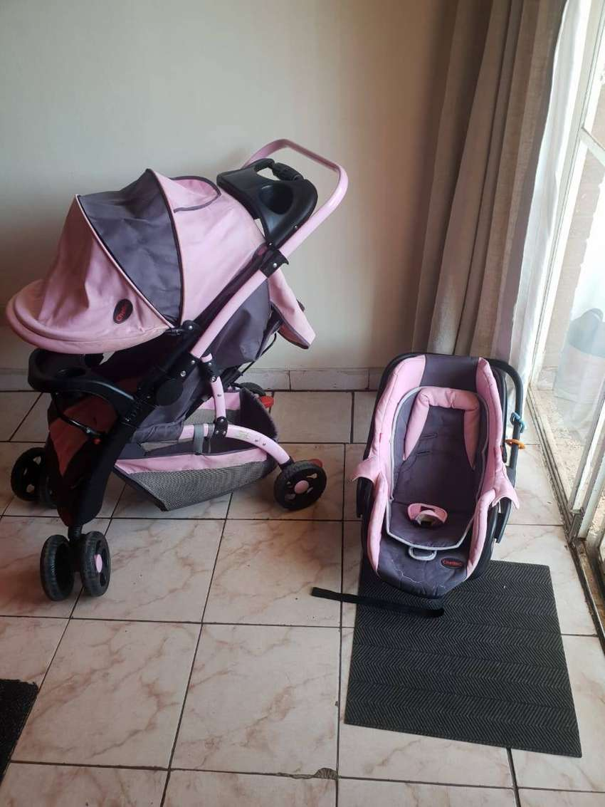 Great travel system for your little one, up to 13kgs FOR R1500 0