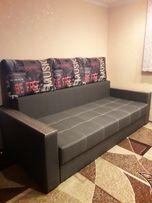 Продам двох спальний диван в идеальному стани недорого срочно.