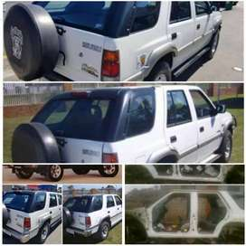 Isuzu KB and Frontier Stripping for spares