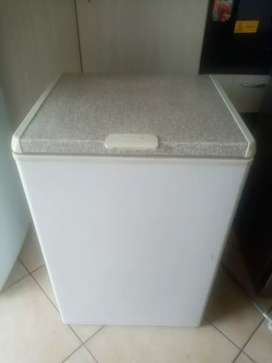 190 litres Defy Chest Freezer